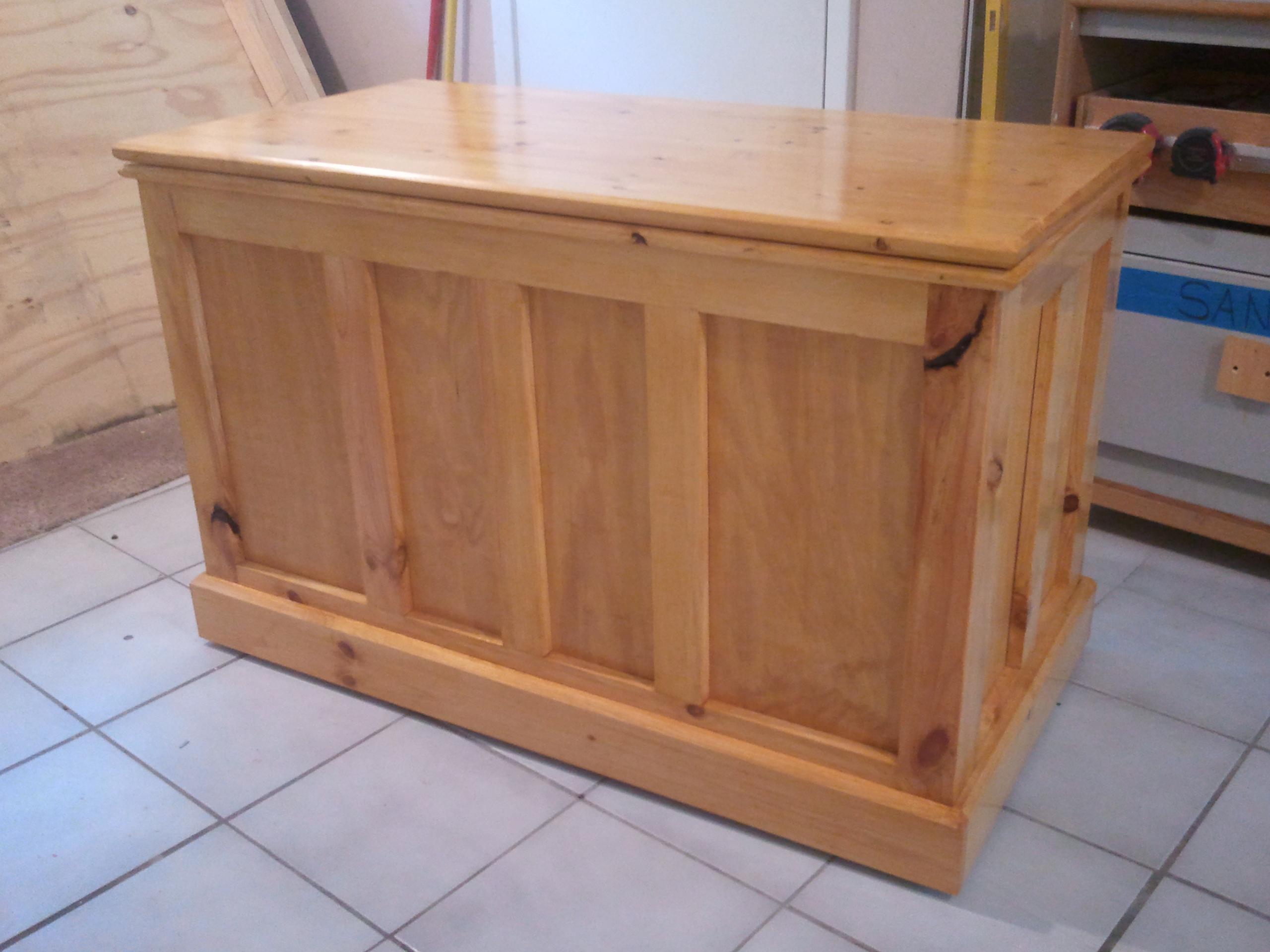 Blanket chest 3 nichole jays custom creations for Blanket chest designs