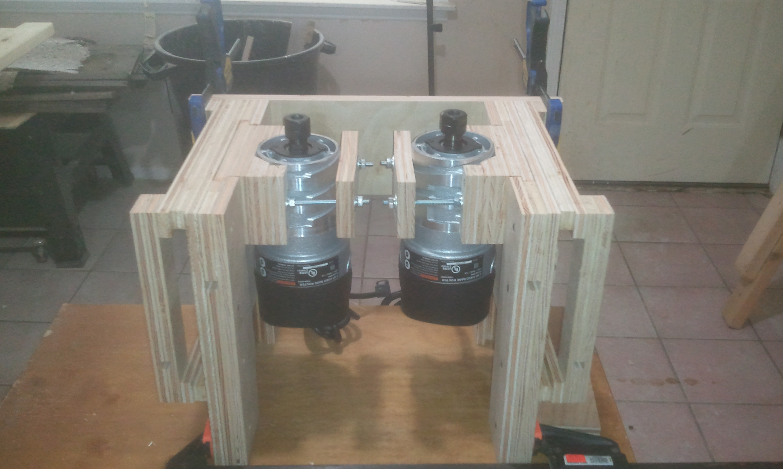 Dual homemade router lifts jays custom creations for Homemade diy