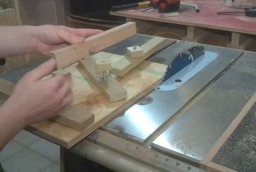 Video: Jointing small stock on the table saw