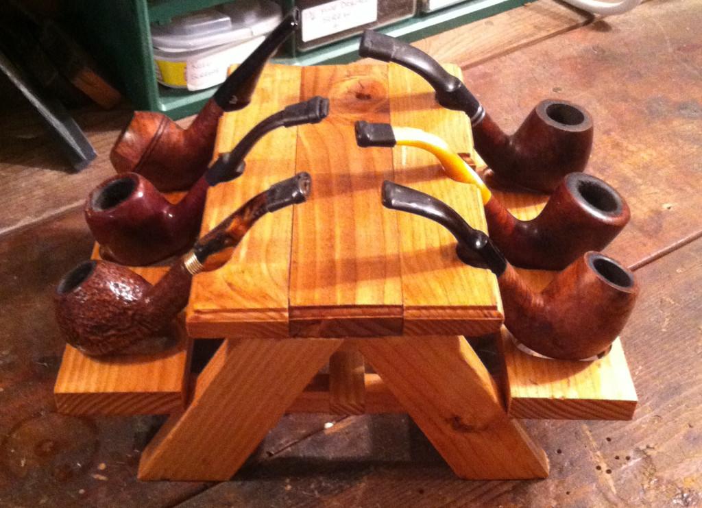 mini picnic table pipe holder1