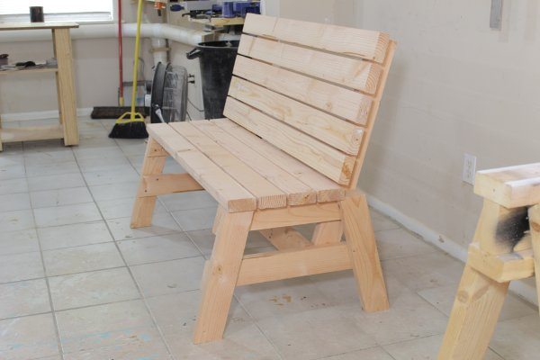 How To Build A Comfortable 2×4 Bench And Side Table | Jays ...