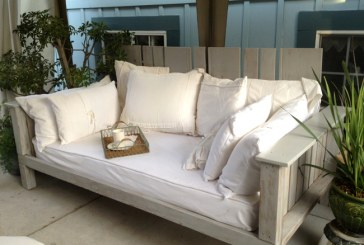 Bety Amos' Awesome Daybed