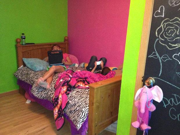 twin loft bed  (1)