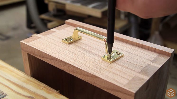 hand cut dovetail hand tool tote (23)