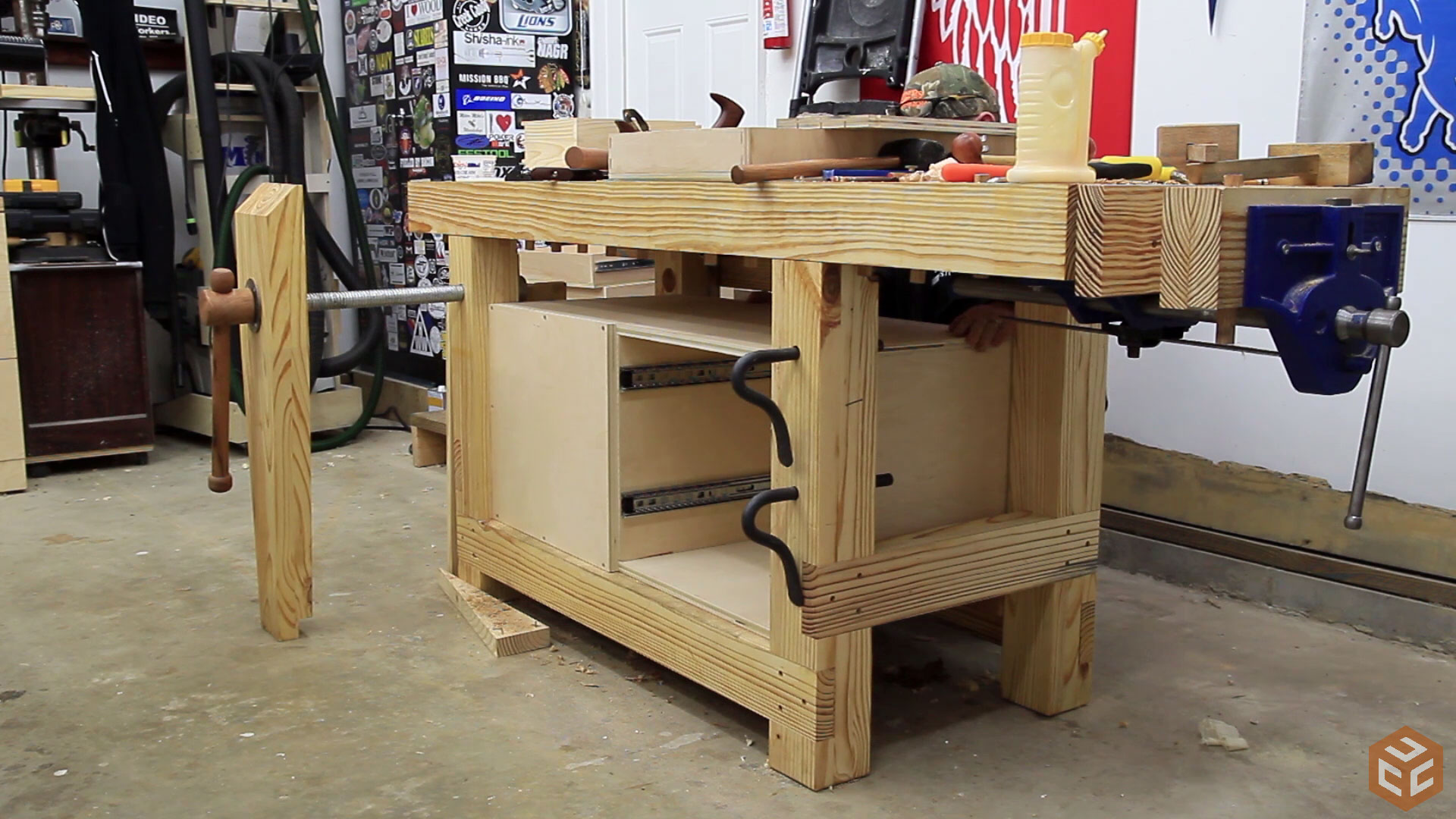 Great Woodworking Workbench Tool Cabinet (14)