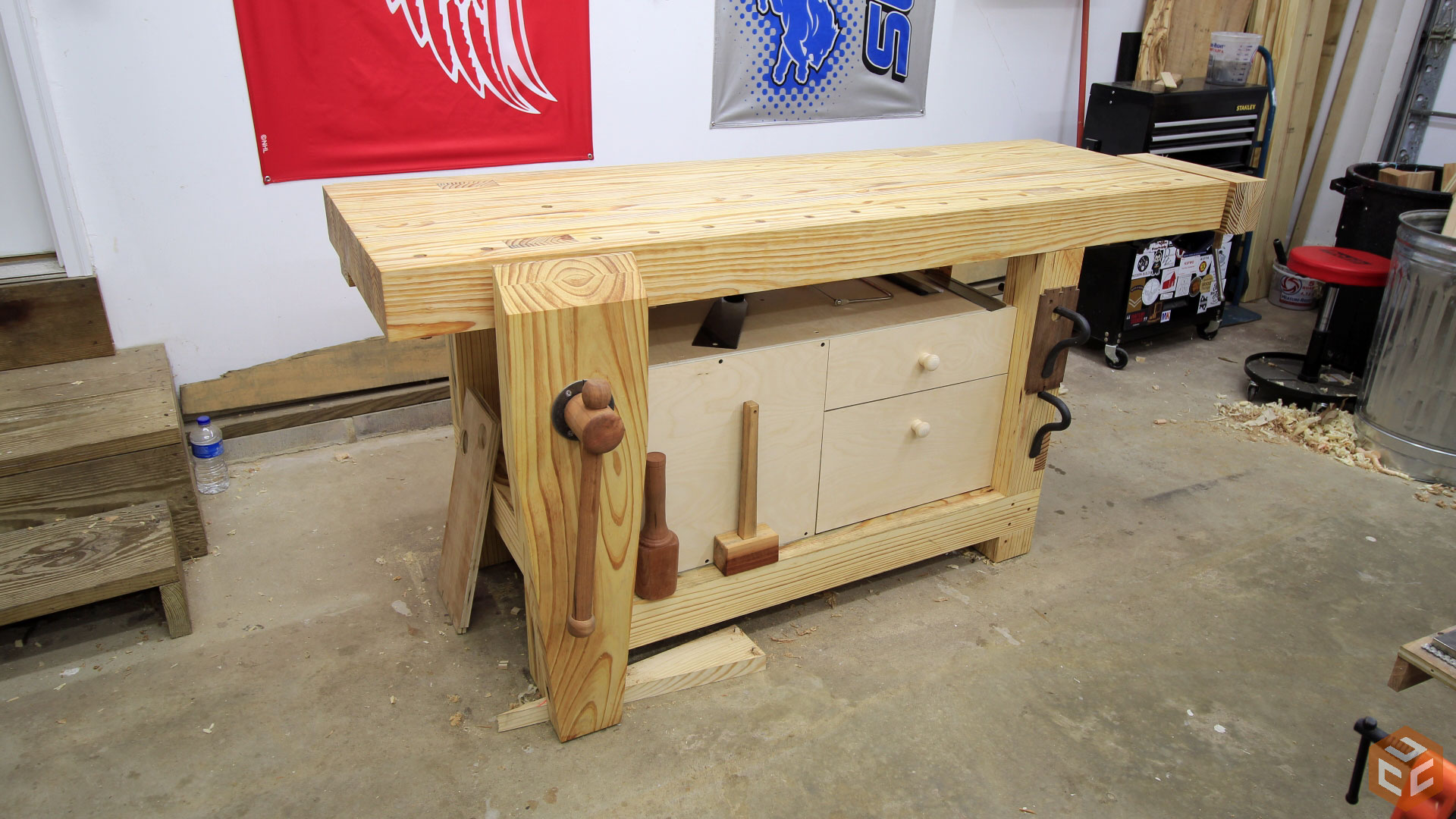 ... Woodworking Workbench Tool Cabinet (22)