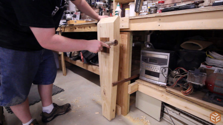 2x4 workbench leg vise (13)