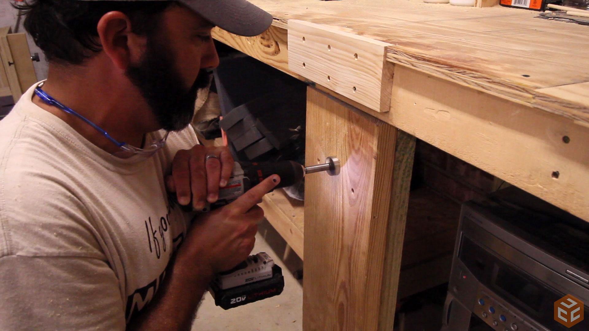 Leg Vise on a 2×4 Workbench | Jays Custom Creations