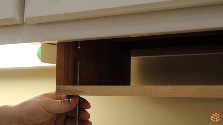 hand cut dovetail utensil shelves (37)